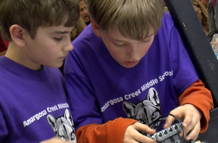 Robotics Event Piques Kids' Interest in Science, Technology