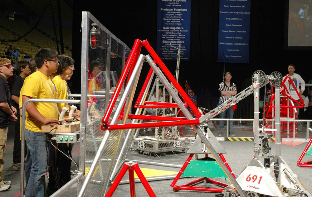 Regional Winners Named in Student-Built Robot Competition